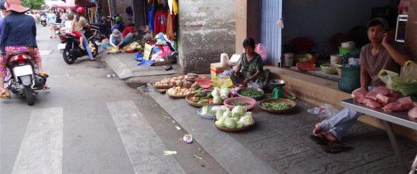 ホーチミン、街の市場通り