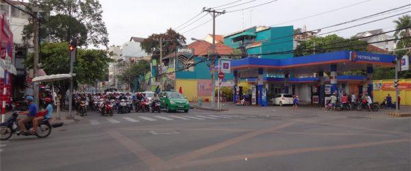 Pasteur通りからVo Thi Sau通りを見る。一方通行のため、反対側のHai Ba Trung側へ回ろう