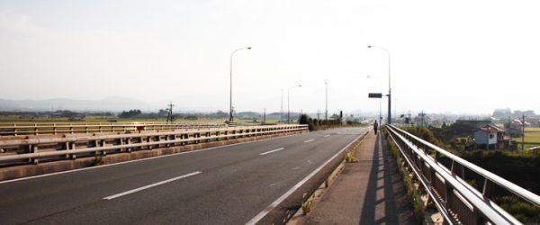 三重県松阪市から伊勢市へ走るバイパス